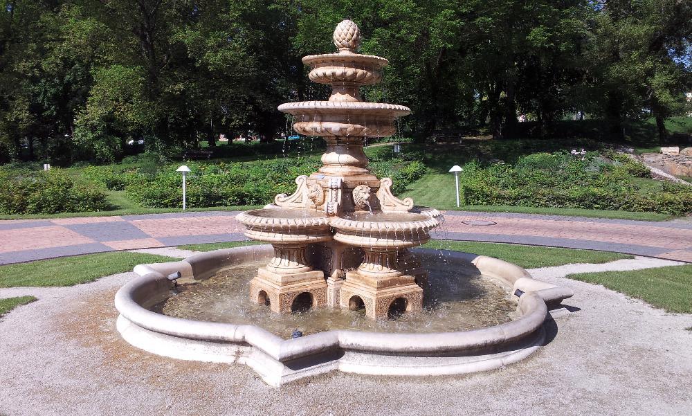 Kaskadenbrunnen Klasik